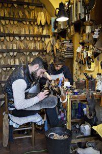 Artigiani al lavoro
