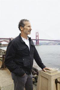 Lo skipper in prossimità del Presidio di San Francisco